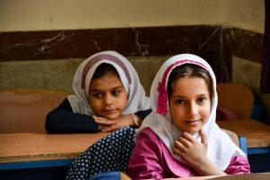 Djeca Kurdistana, djevojčice u učionici / Children of Kurdistan, girls in the classroom